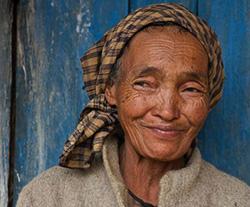 Reisen 2016: Portrait_Frau_Hochland_Madagaskar_Frauenreise 2016