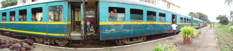 Züge und Fahrpläne Eisenbahn Madagaskar Bahnhof Manakara