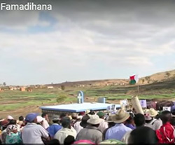 Reise-Aktivitäten: Famadihana Totenumbettung Madagaskar