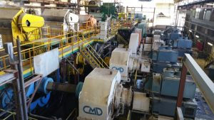 Kreolische Farben: Zuckerrohrfabrik La Réunion