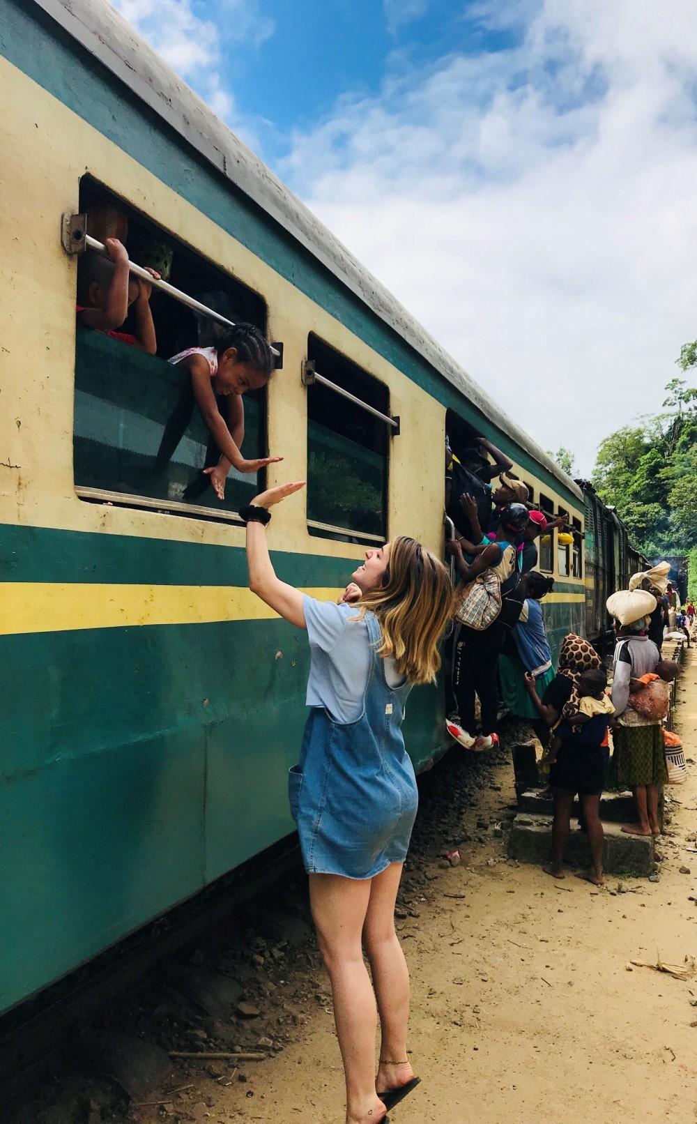 Unvergessliche Reise: Begegnungen am Zug von Schweizern und Madagassen © PREVIDOLI
