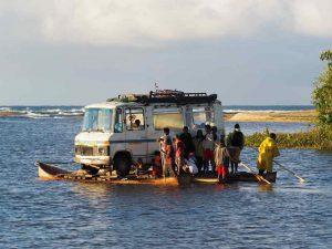 Vanille in Madagaskar - Flussfahrt auf dem Fluss Ankavana