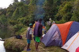 Trekking zum Sakaleona Wasserfall: Camp 1