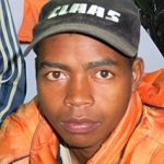 Trekking zum Chute de Sakaleona: Gepäckträger Ndria