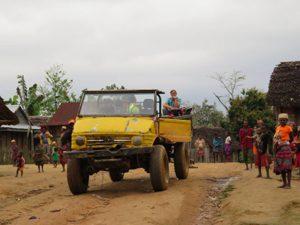 Trekking zum Chute de Sakaleona: Unimog Madagaskar