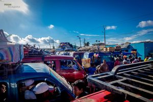 Studieren in Madagaskar: Busstation-Taxi-Brousse-Tuk-Tuk-Madagaskar-PRIORI-Reisen