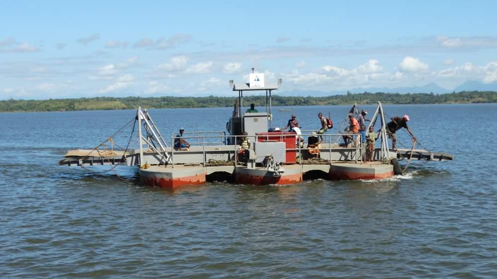 Unser Madagaskar Abenteuer: Autofähre in Madagaskar