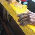 Unvergessliche Madagaskarreise: die Hand eines Fischers nach der harten alltäglichen Arbeit