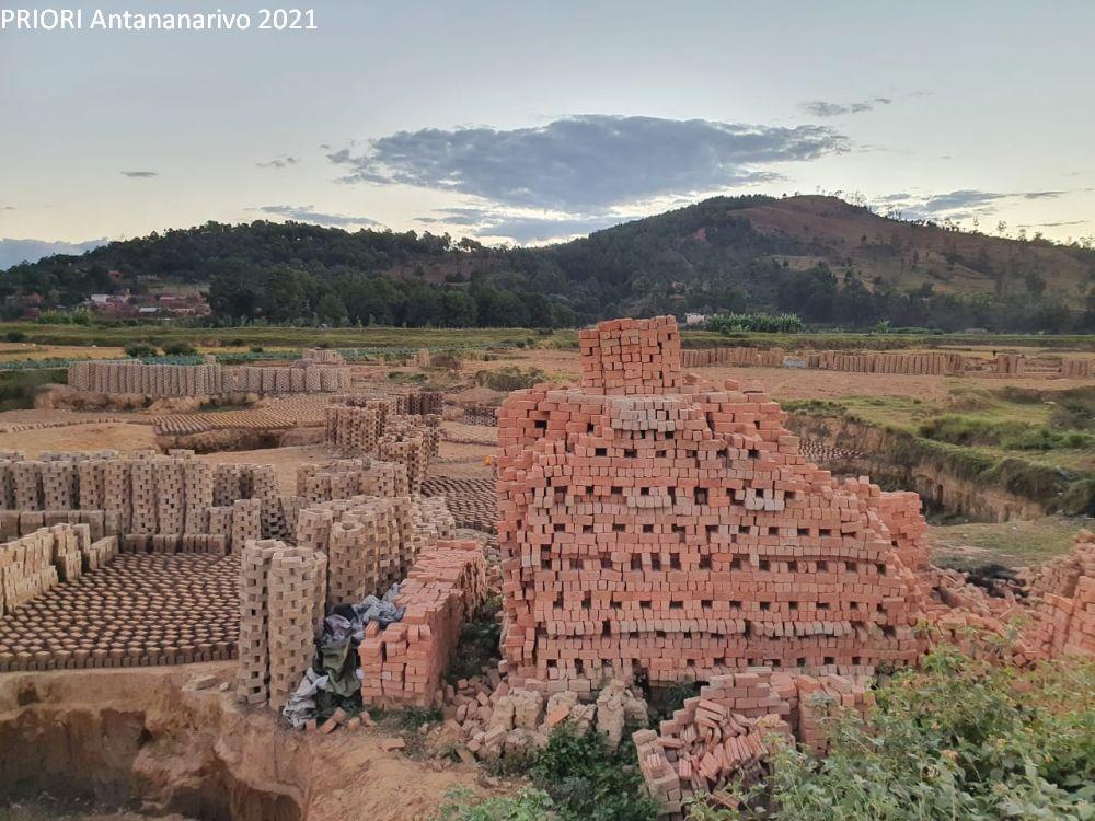Herstellung von Backsteinen Madagaskar